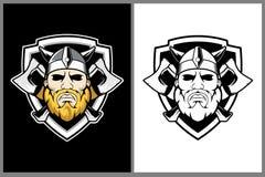 Viking con il modello di logo di vettore dello schermo e dell'ascia royalty illustrazione gratis
