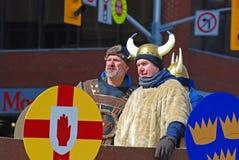 Viking Cosplay dans le défilé Ottawa, Canada de jour du ` s de St Patrick Photographie stock