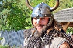 Viking hält Bestellung im Turnier Stockfotos