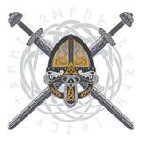 Viking hjälm med två korsade svärd och den skandinaviska modellen Arkivbild