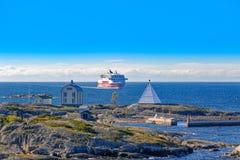 Viking Line färjaskepp på Östersjön Arkivbilder