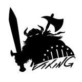 Viking mit Klinge und Schild Lizenzfreie Stockfotografie