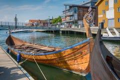 Viking Ship dans le fjord, Tonsberg, Norvège photos stock
