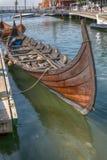 Viking Ship en el fiordo, Tonsberg, Noruega Imagenes de archivo