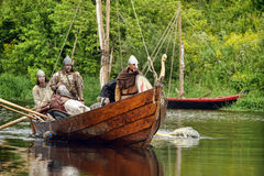 Vikingen in Drakkar Stock Foto