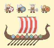 Vikingos y la nave Fotos de archivo libres de regalías