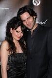 Vikki Lizzy, Derek C. Pratt en el Golden Globe 2012 de la compañía de Weinstein después del partido, hotel de Beverly Hiltron, Bev Imagen de archivo