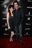 Vikki Lizzy, Derek C. Pratt en el Golden Globe 2012 de la compañía de Weinstein después del partido, hotel de Beverly Hiltron, Bev Fotografía de archivo
