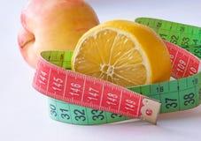 vikt för fruktförlustgrönsak Arkivfoto