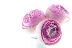Vikt rosa bukett för lotusblommablommor i vas Royaltyfria Bilder