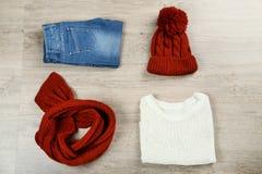 Vikt tröja med jeans fotografering för bildbyråer