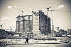 Viktig konstruktion av det bostads- komplexet. Royaltyfria Foton