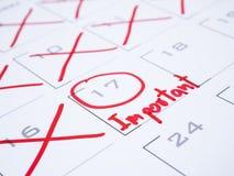 Viktigt datum på kalenderskrivbord 3 arkivfoton