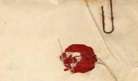 Viktigt gammalt förseglat dokument Arkivbilder