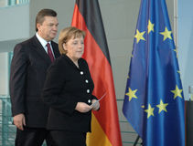 Viktor Janukowitsch with German Chancellor Angela Merkel Stock Photography