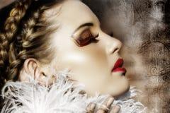 Viktorianische Art und Weise mit den roten Lippen Lizenzfreies Stockfoto