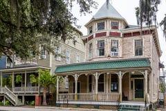 Viktorianische Häuser in der Savanne lizenzfreie stockfotografie