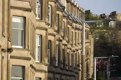 Viktorianische Kolonienhäuser machten vom Sandstein in Edinburgh, Schottland lizenzfreie stockbilder