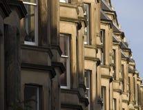 Viktorianische Kolonienhäuser machten vom Sandstein in Edinburgh, Schottland stockfoto