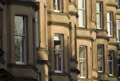 Viktorianische Kolonienhäuser machten vom Sandstein in Edinburgh, Schottland stockfotos