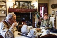 Viktorianische Leute zu Hause Lizenzfreie Stockfotos