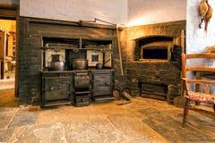 Viktorianischer Kochherd-und Brot-Ofen, Charlecote-Haus, Warwickshire, England Stockbild