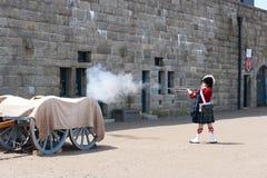 Viktorianischer Soldat Shooting an Halifax-Zitadelle Lizenzfreie Stockfotografie