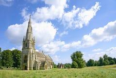 Viktoriansk gotisk kyrka arkivfoton