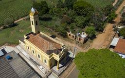 Viktoriansk liten katolsk kyrka, kommunalt område av Botucatu royaltyfria foton
