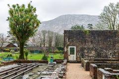 Viktoriansk walled trädgård av den Kylemore abbotskloster Arkivfoton
