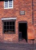Viktorianska skomakare shoppar Arkivbild