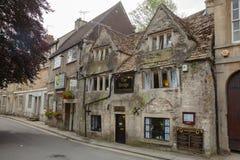 Viktorianskt te hyr rum Bradford-på-Avon Wiltshire sydväster England arkivfoton