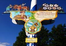 Viktualienmarkt een dagelijkse voedselmarkt en een vierkant van München, Beieren, Duitsland stock afbeelding