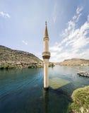 Vila afundado Savasan em Halfeti, Sanliurfa Turquia Imagem de Stock