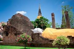 Vila av buddha, staty av Buddha Arkivbilder