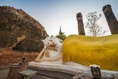 Vila Buddha på Wat Yai Chai Mongkol Royaltyfri Bild