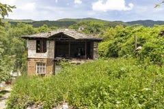 Vila com casas do século XIX, região de Kosovo de Plovdiv, Bulgária foto de stock royalty free