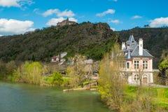 Vila de Ambialet, França imagem de stock