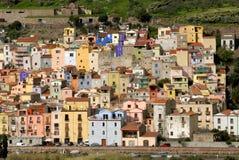 A vila de Bosa, Sardinia Fotos de Stock Royalty Free