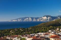 A vila de Cala Gonone na ilha de Sardinia Foto de Stock