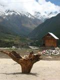 Vila de Chitkul na beira de China da Índia foto de stock
