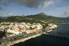 Vila de Dominica na luz solar foto de stock