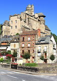 Vila de Estaing em France do sul, opinião da paisagem Fotografia de Stock Royalty Free
