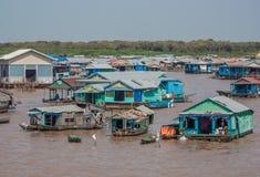 A vila de flutuação da seiva de Tonle, Camboja fotografia de stock