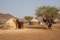 Vila de Himba, Namíbia Fotografia de Stock