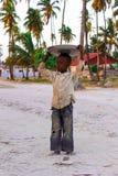 Vila de Jambiani Zanzibar, após o jogo do fotball imagens de stock