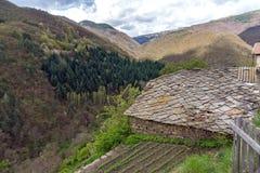 Vila de Kosovo com as casas do século XIX autênticas, Bulgária imagem de stock royalty free