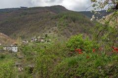 Vila de Kosovo com as casas do século XIX autênticas, Bulgária imagens de stock royalty free