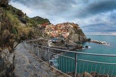 Vila de Manarola, na costa de Cinque Terre de Itália Imagem de Stock Royalty Free