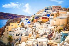 Vila de Oia na ilha de Santorini, Grécia Fotos de Stock Royalty Free